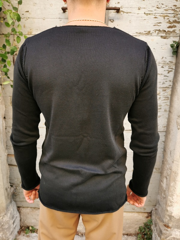 PULL COL ROND NOIR--IMPERIAL